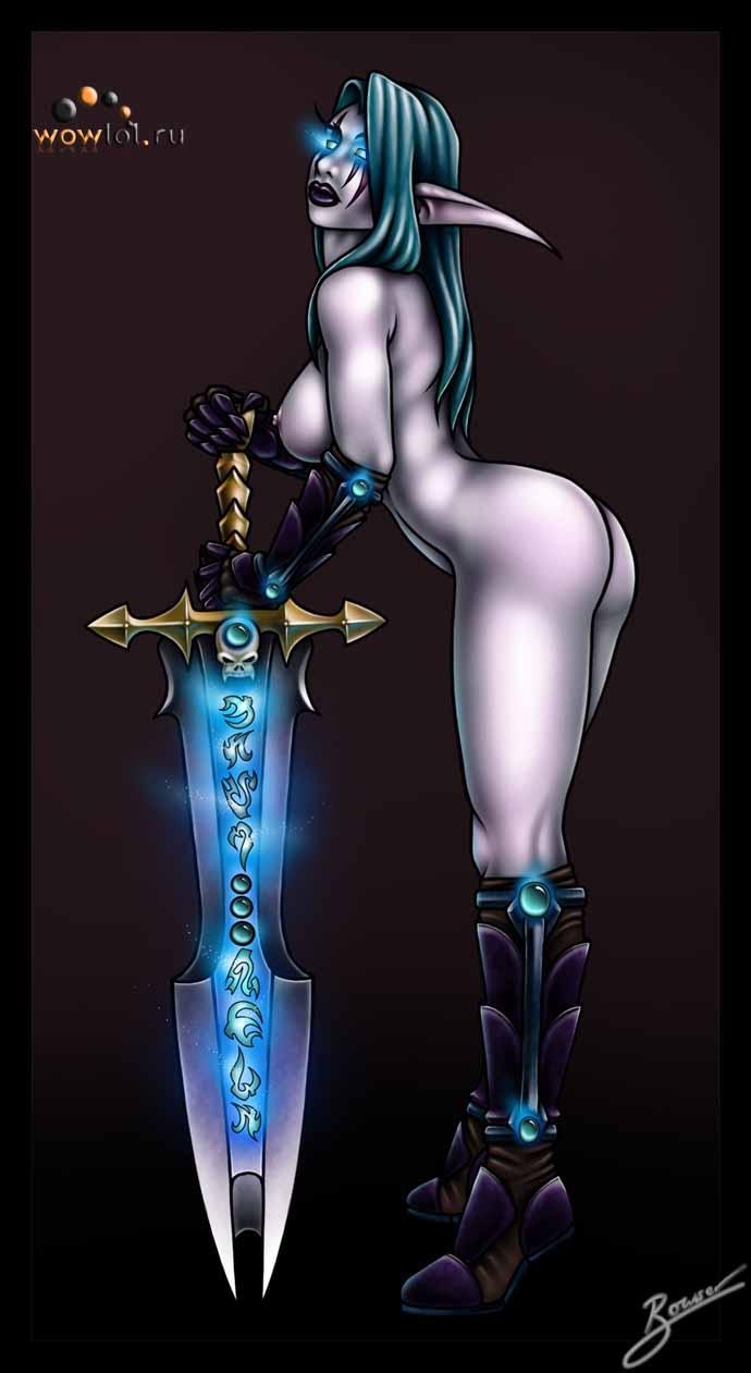 не одетая ДКшница с мечом